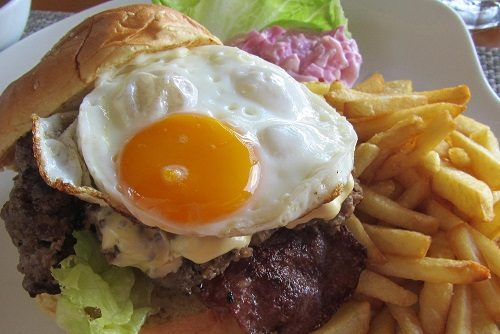 Cheeseburger with Egg