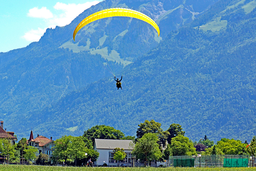 Parachute in Switzerland
